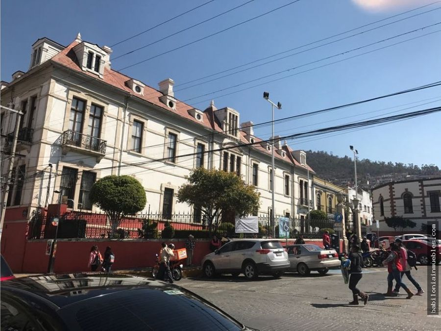 venta de casa antigua frente presidencia municipal