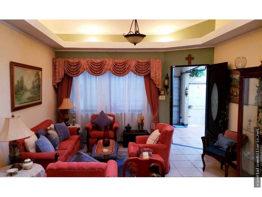 venta de casa de un nivel en residencial altamoravia con seg 247