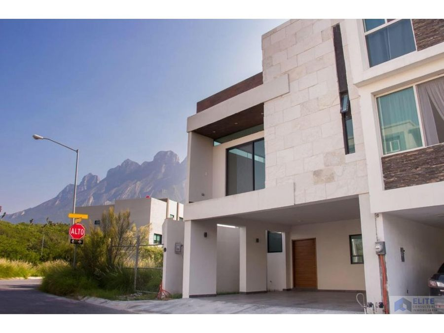 venta de casa en cumbres elite premier
