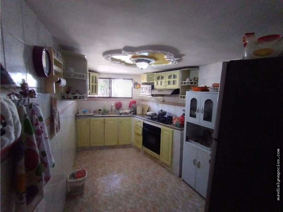 venta de casa esquinera amplia santa marta 001