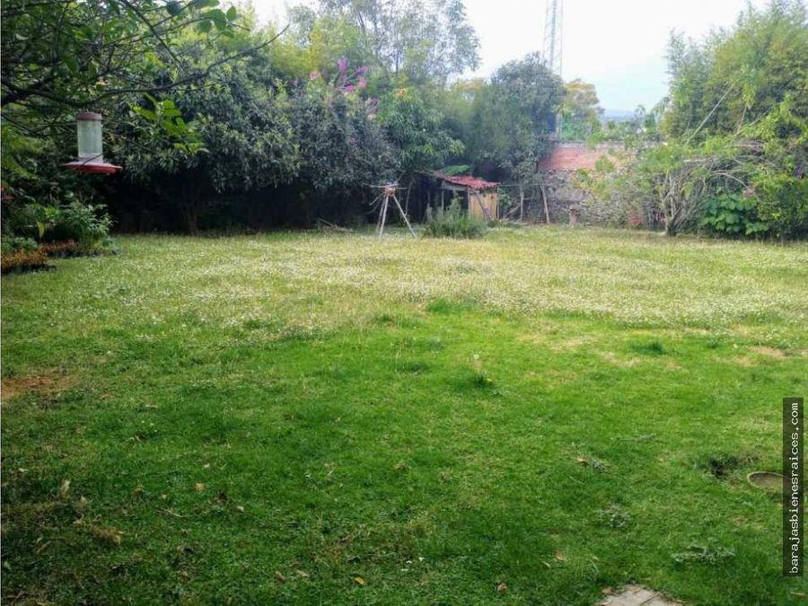 venta de casa sola con amplio jardin en cuernavaca