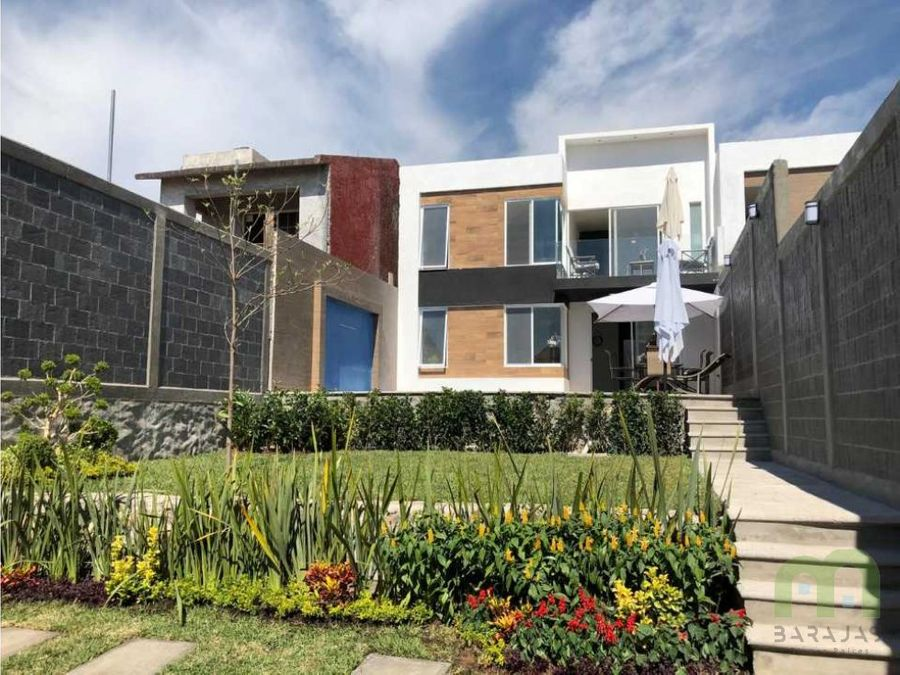 venta de casa nueva sola con alberca y jardin en lomas de trujillo