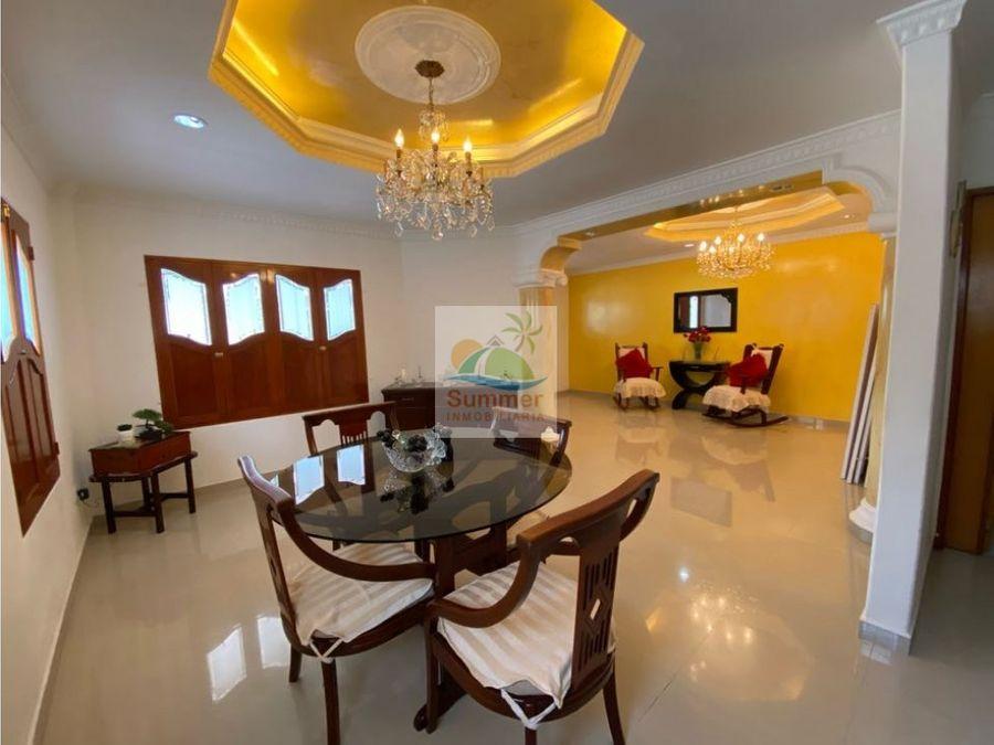 venta de casa un piso esquinera
