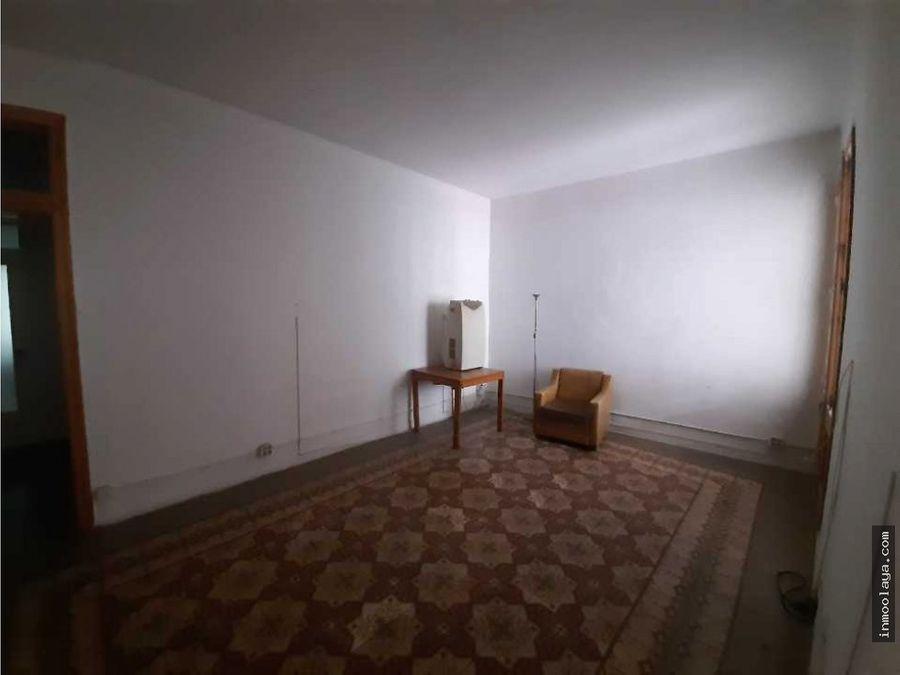 venta de edificio residencial de 3 plantas a reformar en sant andreu