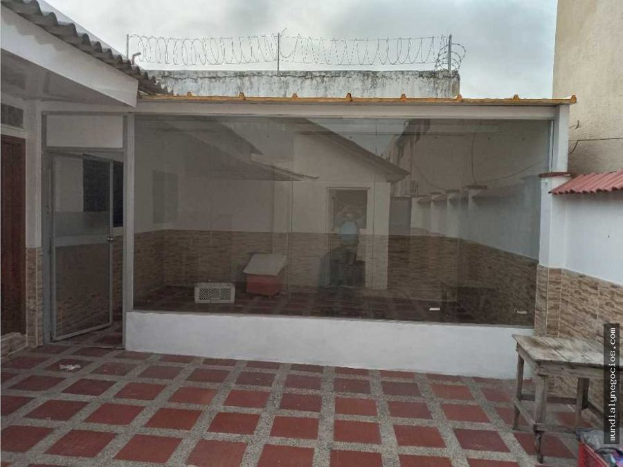 venta de estupenda casa en el barrio delicias