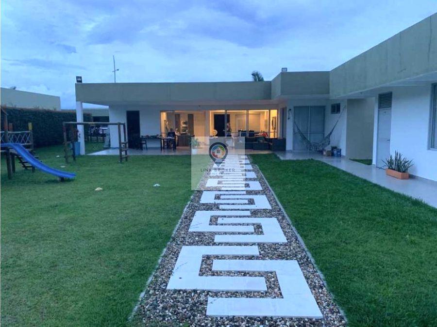 venta de hermosa casa campestre espaciosa e iluminada en pereira