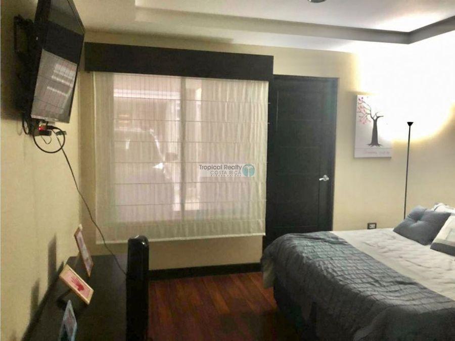 venta de linda casa de 1 nivel en condominio en carmen de guadalupe