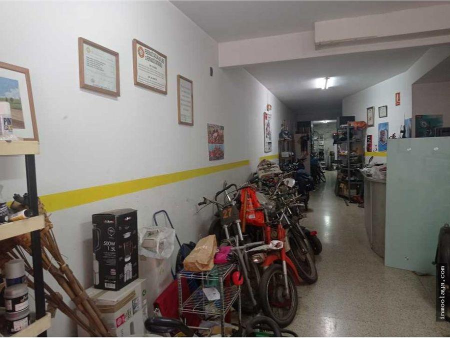 venta de local comercial con dos salidas de humos en sant cugat