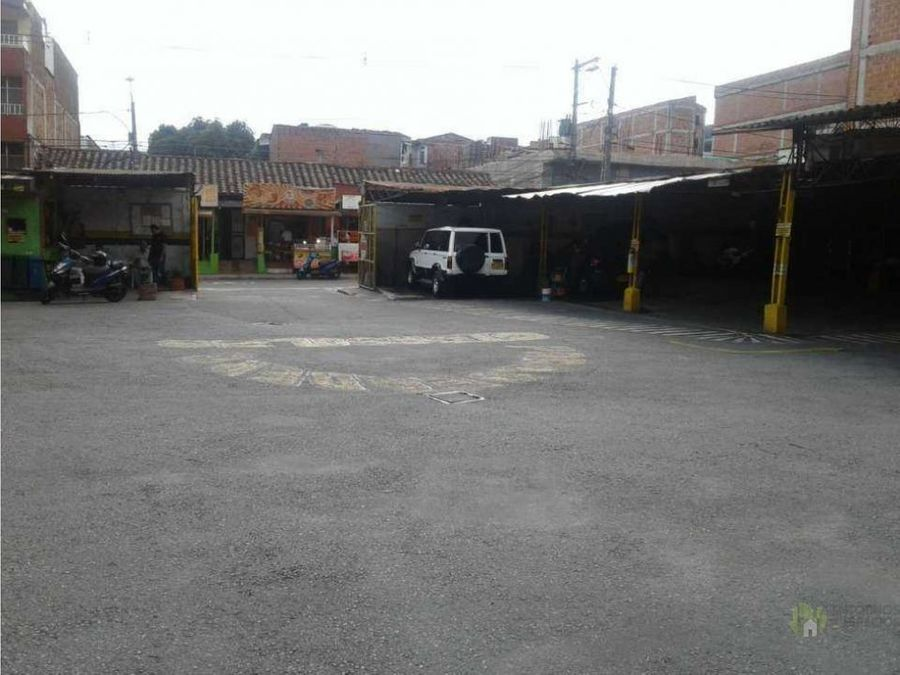 venta de parqueadero itagui cerca transito