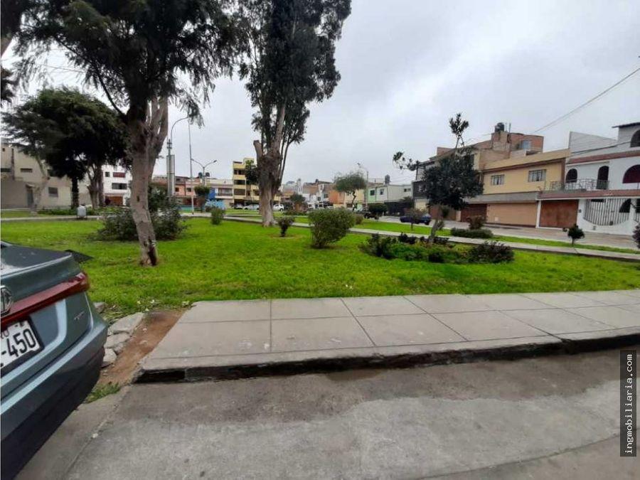 venta de preciosa casa frente a parque en carabayllo