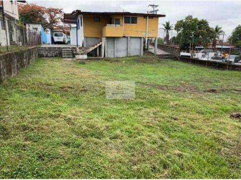 venta de terreno en parque lefebre