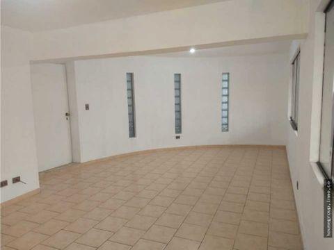 venta departamento en primer piso miraflores