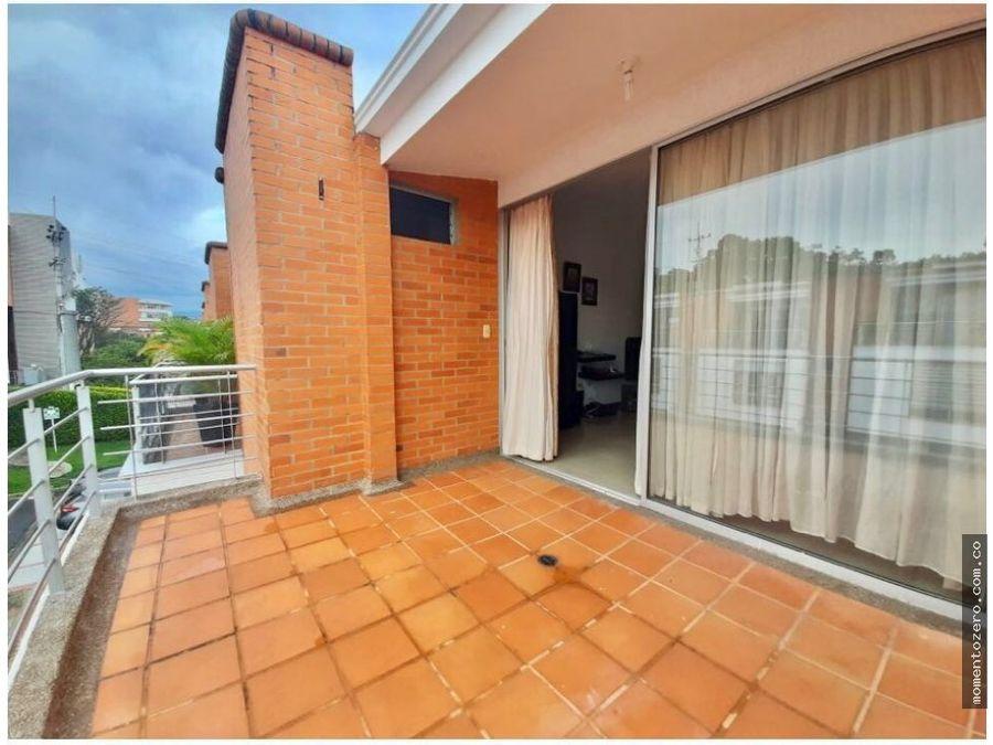 venta hermosa casa de tres pisos sector unicentro pereira