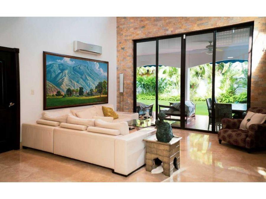 venta y alquiler casa antigua costa del este 550mt