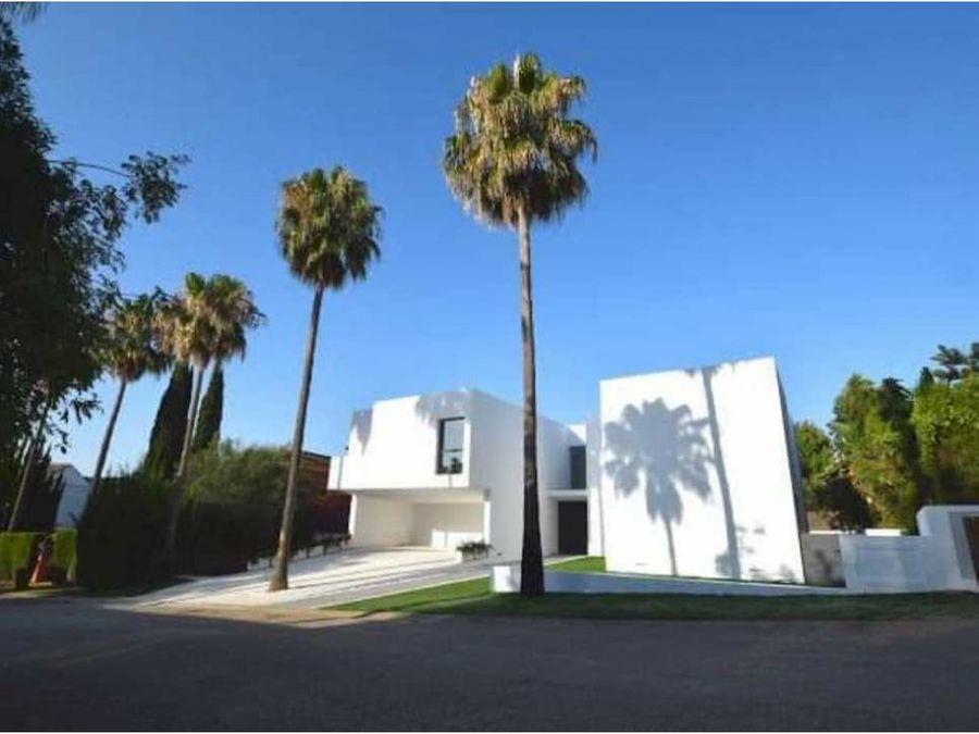 villa moderna en venta en sotogrande alto