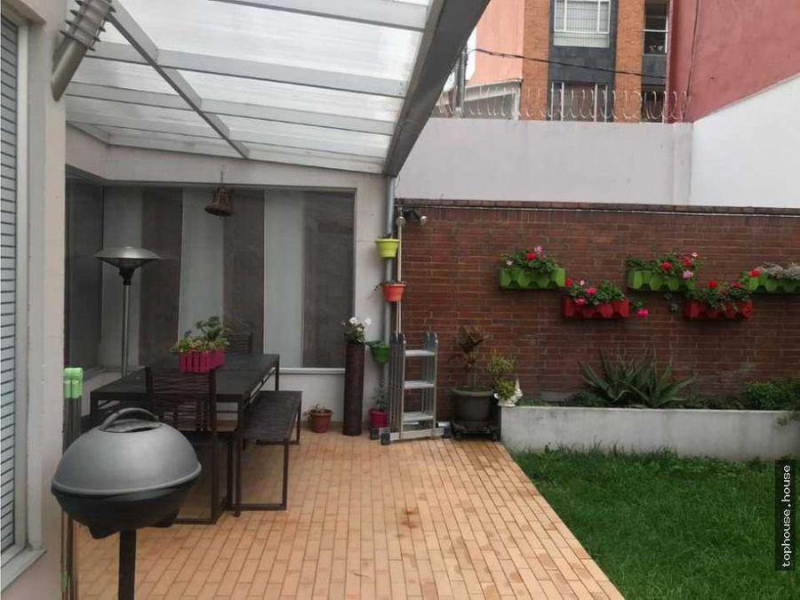 323 espectacular casa de 300 m2 con terraza en santa paula