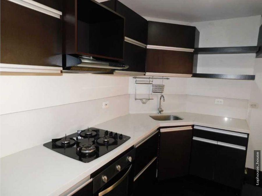531 apartamento de 93 m2 con balcon