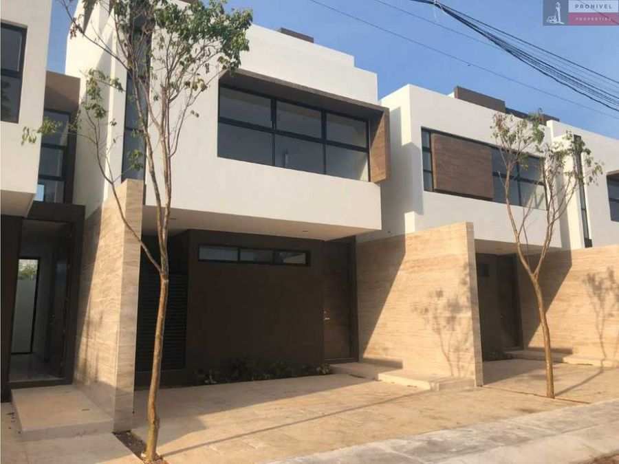5 hermosos townhouses en montebello