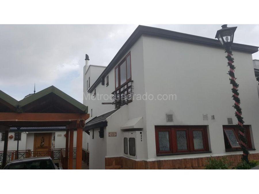 venta casa en gratamira bogota 247 mts