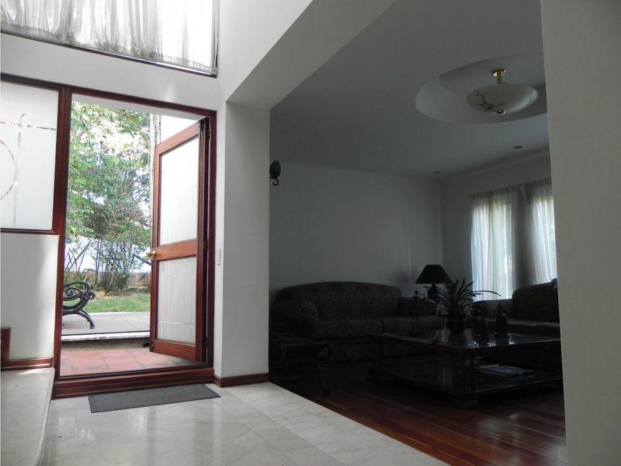 venta casa en gratamira bogota 380 mts