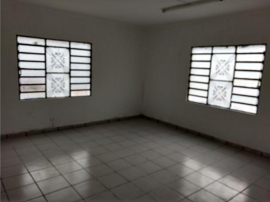 venta de casa en champoton centro de 2 plantas