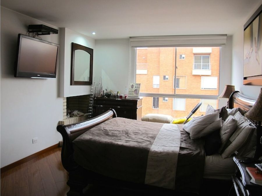 comodo apartamento en santa barbara venta