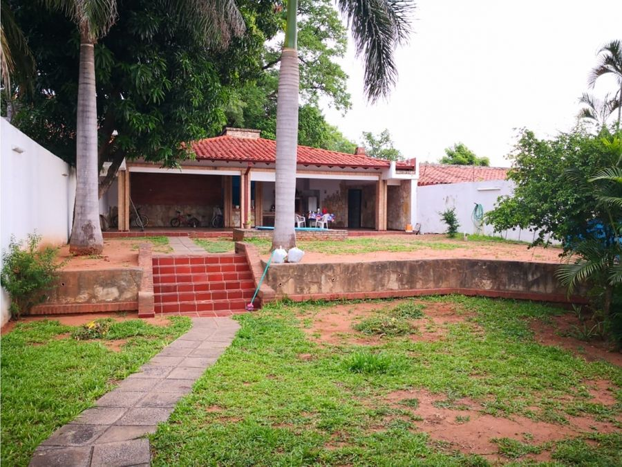 vendo residencia de categoria en barrio san vicente