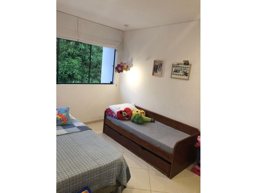 en venta casa pareada de 3 niveles en barrio san cristobal