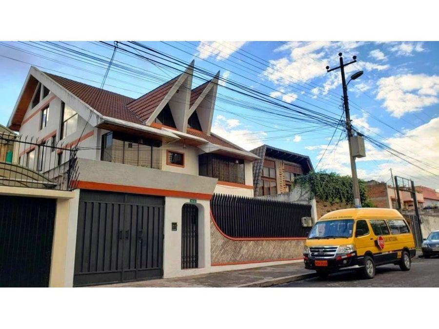 vendo amplia casa familiar y rentera en la keneddy