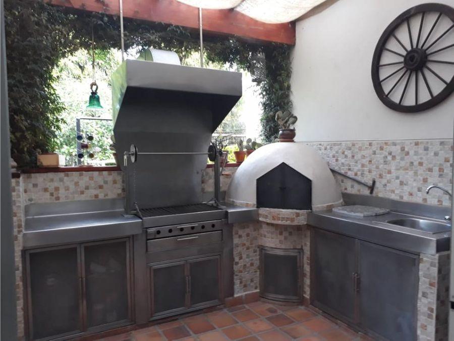 c casa dentro de urb la vina en venta cumbaya