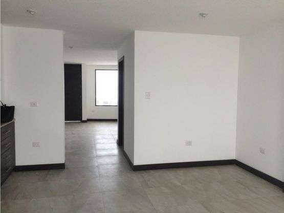 casa de venta en cumbaya dentro de conjunto