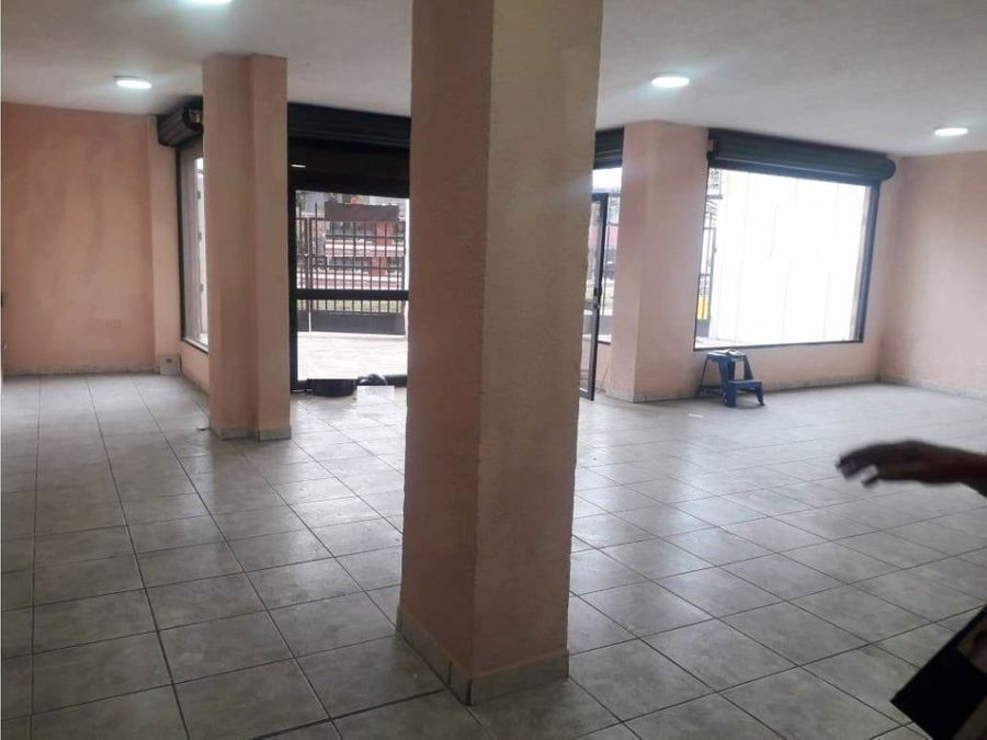 dlocal 100 m2 zona comercial condado shopping