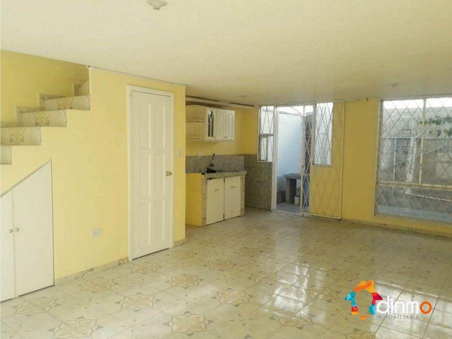 d vendo casa sector residencial cerca d todo