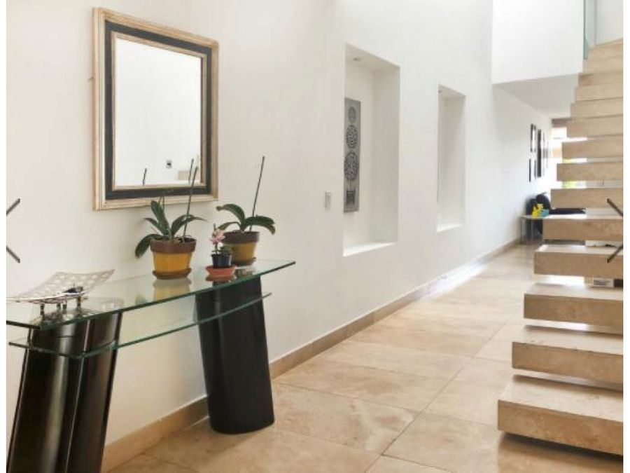 c casa venta sector cumbaya
