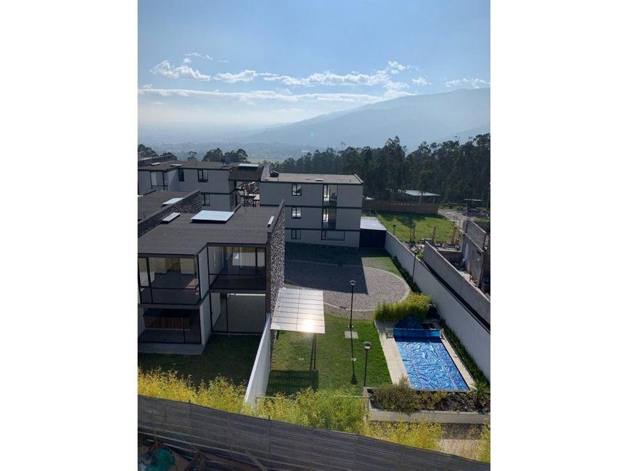 c vendo casa cumbaya yanazarapata en conjunto con piscina