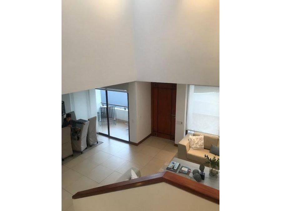 c rento excelente casa sector san juan cumbaya amoblada