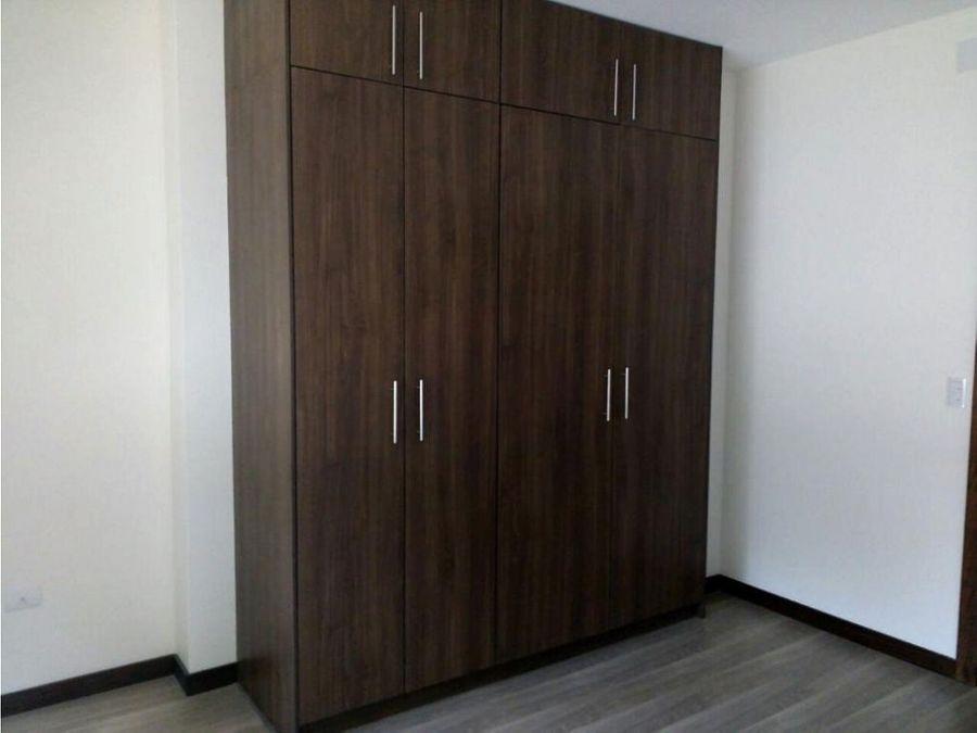 c departamento en renta 2 dormitorios cumbaya