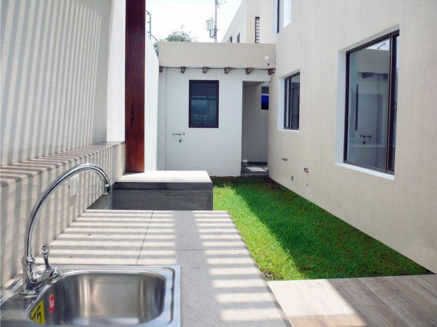 c casas por estrenar dentro de conjunto sector ruta viva tumbaco
