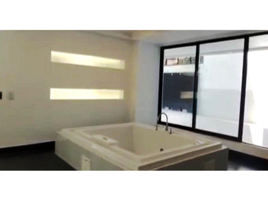suite de lujo en arriendo gonzalez suarez 75 m2