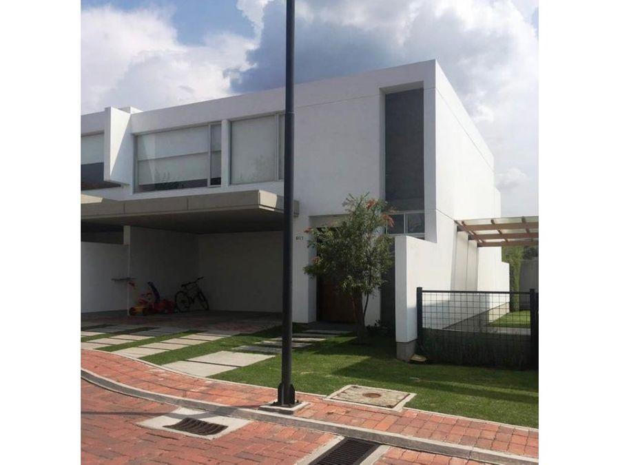 casa en venta cumbaya 3 dormitorios jardin