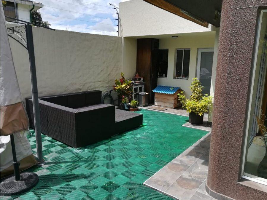 c casa de venta en el cetro de cumbaya