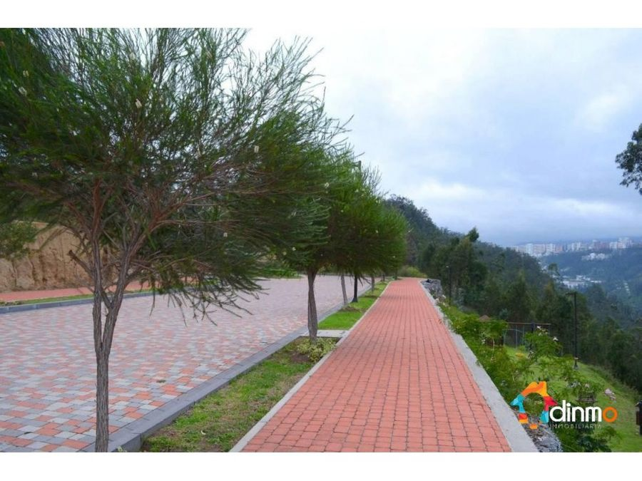 cumbaya terreno 1000 m2 con vista urbanizacion