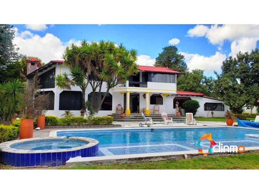 vendo casa con gran terreno piscina tumbaco