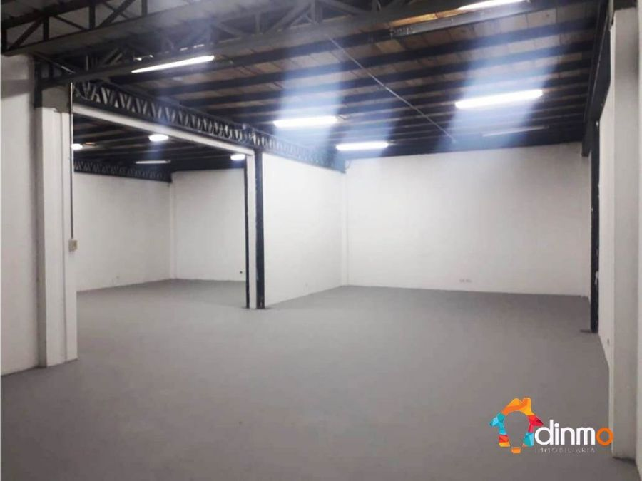 bodega 220 m2 oficina 110 m2 rento parknor
