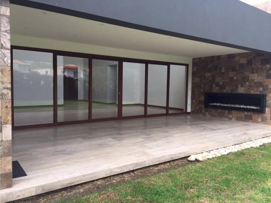 ccasa de alquiler cumbaya urbanizacion exclusiva la vieja hacienda
