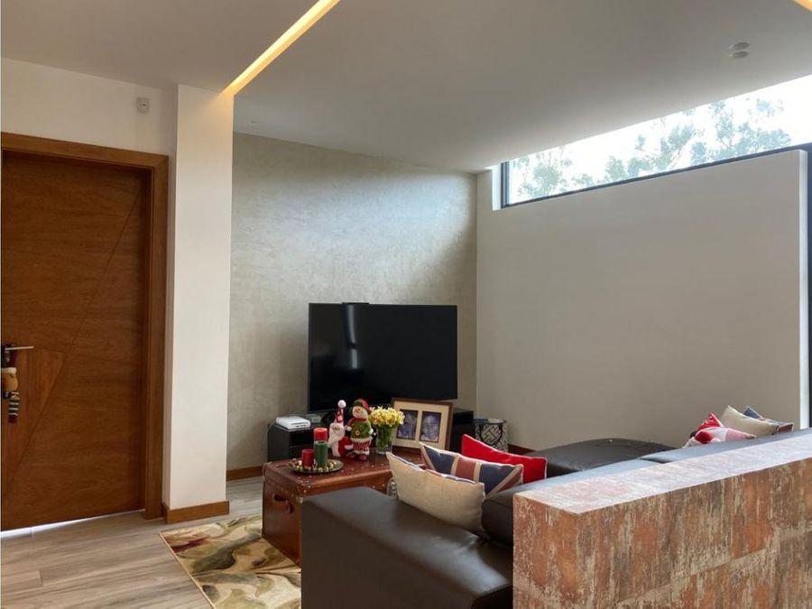 c casa en cumbaya dentro de urbanizacion cerrada sector pachosalas