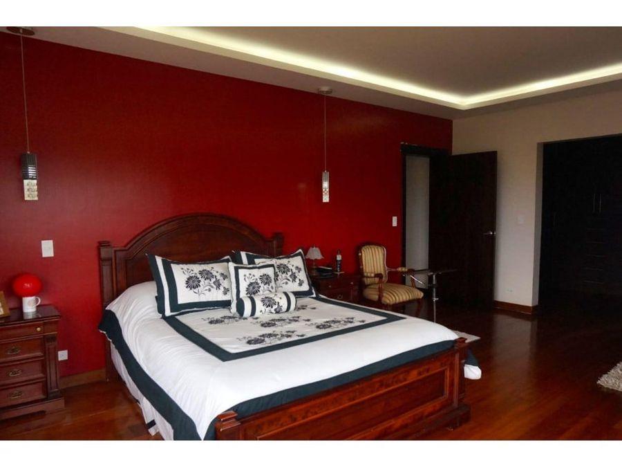 c venta de casa en san juan de cumbaya