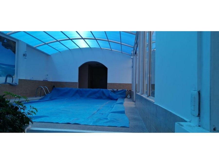 c arriendo casa con piscina cubierta 4 dorm 4 parqueaderos