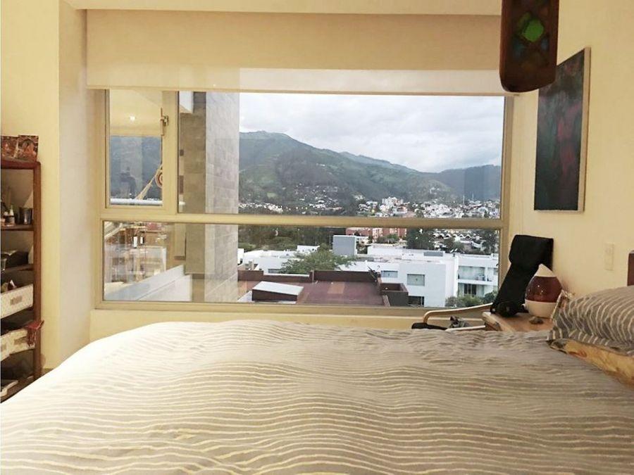 vendo arriendo departamento cumbaya piscina balcon vista