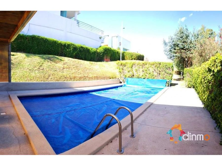 cumbaya piscina seguridadcasa en ariendo 3 dormitorios